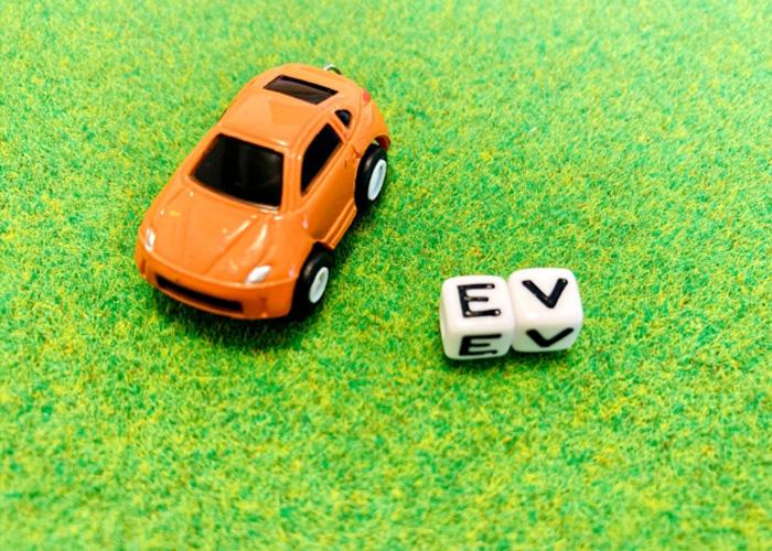 V2H機器に接続できる電気自動車のメーカーは?